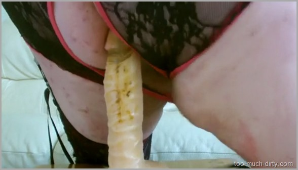 Dirty_Fat_Granny_Anal_Masturbation_with_Dildo_Full_of_Shit